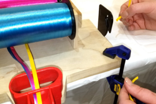 Image of EZ Tie™ Balloon Tying Station Ribbon Cutter Step 4